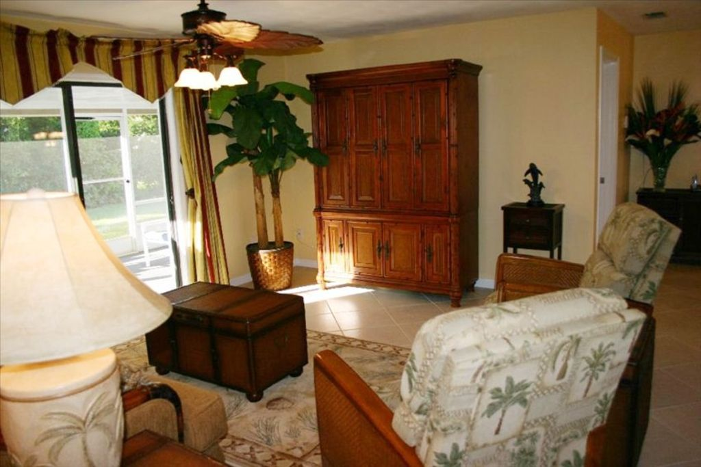 Tommy bahama lifestyle beach house only 21 homeaway - Tommy bahama beach house bedroom ...