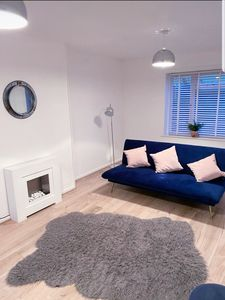 Photo for Stylish 3 Bed House- Free Parking + Great Location