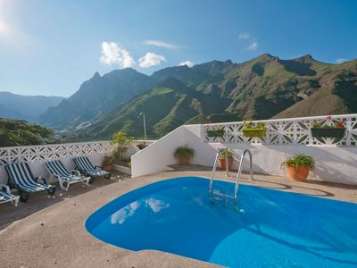 Photo for Holiday cottage with private pool in Agaete