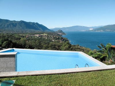Photo for 2 bedroom Apartment, sleeps 6 with Pool and Walk to Shops
