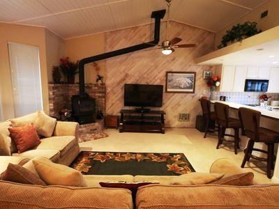 Photo for Charming, 2 Bed/3 Bath, Private Jacuzzi