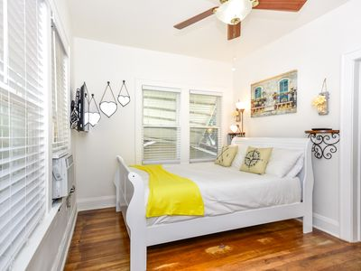 Photo for Stylish Full 1BR Apartment, Heart of Hollywood