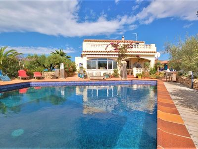 Photo for Charming holiday home with nice private pool for 8 people.