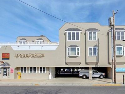Photo for 2 STORY, 1/2 BLOCK TO THE BEACH!!! CLOSE TO Shopping, restaurants and entertainment