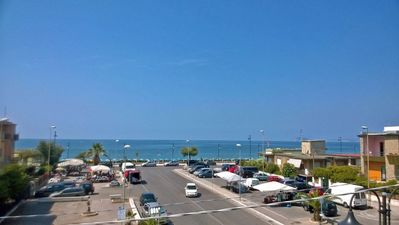 Photo for On the sea, between Rome and Naples, terme15km, supermarket and restaurant below cas