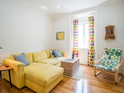 Photo for Colorful and Bright 3 BDR apartment