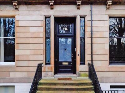 Photo for Terraced house, Glasgow  in Glasgow - 10 persons, 5 bedrooms