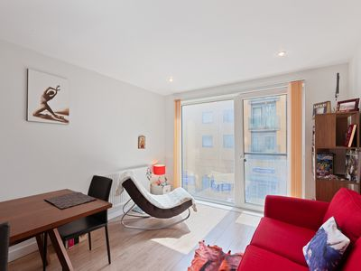 Photo for Stunning, Spacious 1-Bed Apt near Greenwich