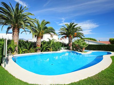 Photo for One bedroom Apartment, sleeps 4 in Llançà with Pool, Air Con and WiFi