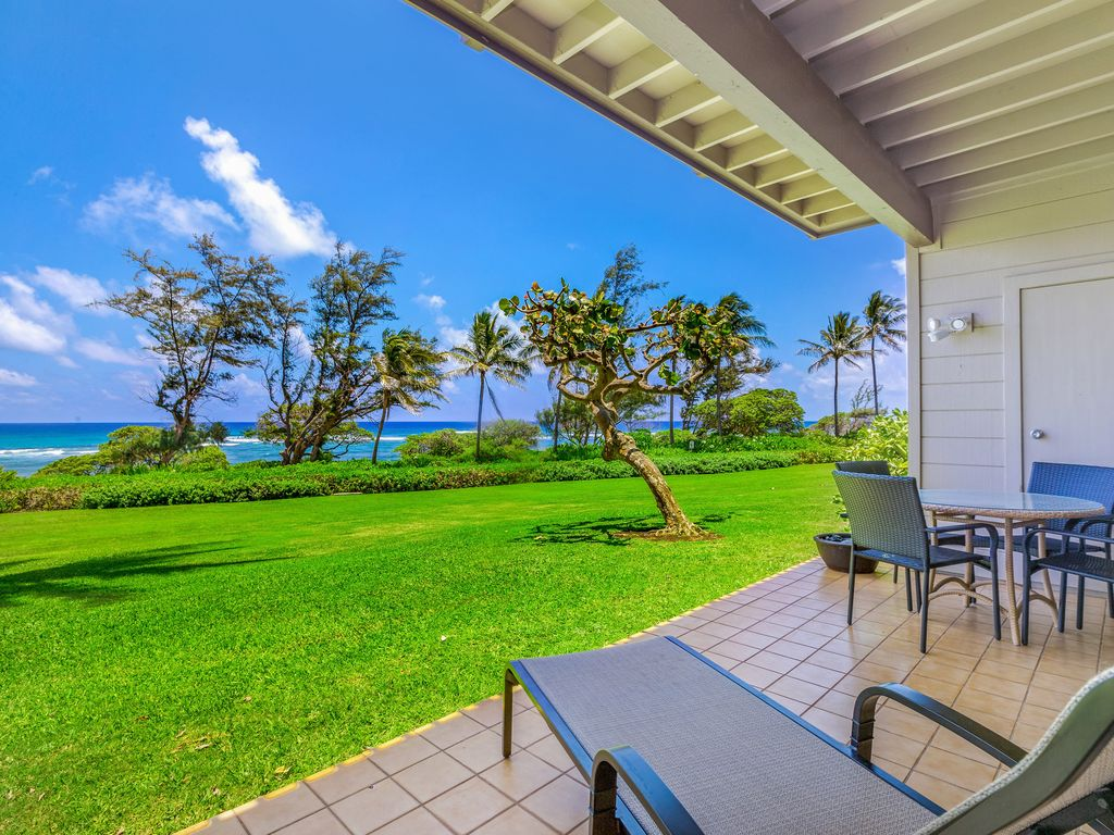 Kaha Lani #125 WAKE UP TO PACIFIC OCEAN SUNRISE, 2 PRIVATE OCEANFRONT LANAIS