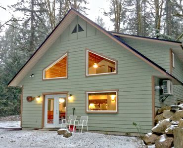 Photo for Cabin #2 - Large 4-Bedroom Cabin - Sleeps 10 - Hot tub!