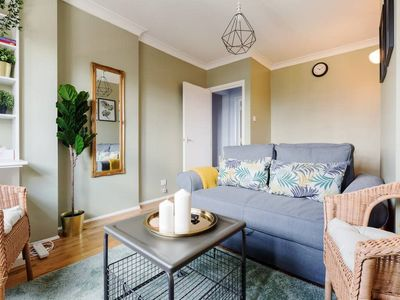 Photo for Cosy1Bed apt in Southwark 10 mins to London Bridge