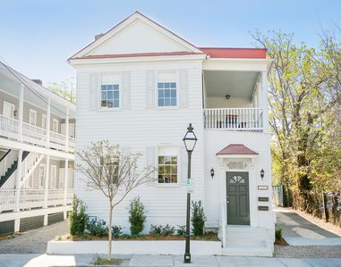 Photo for 4BR Apartment Vacation Rental in Charleston, South Carolina