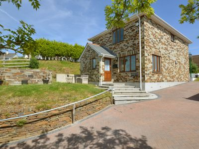 Photo for Comfortable, bright holiday home with private garden in the south of Cornwall