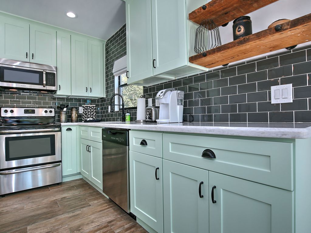 NEW! Charming fully-remodeled home in Centr... - VRBO