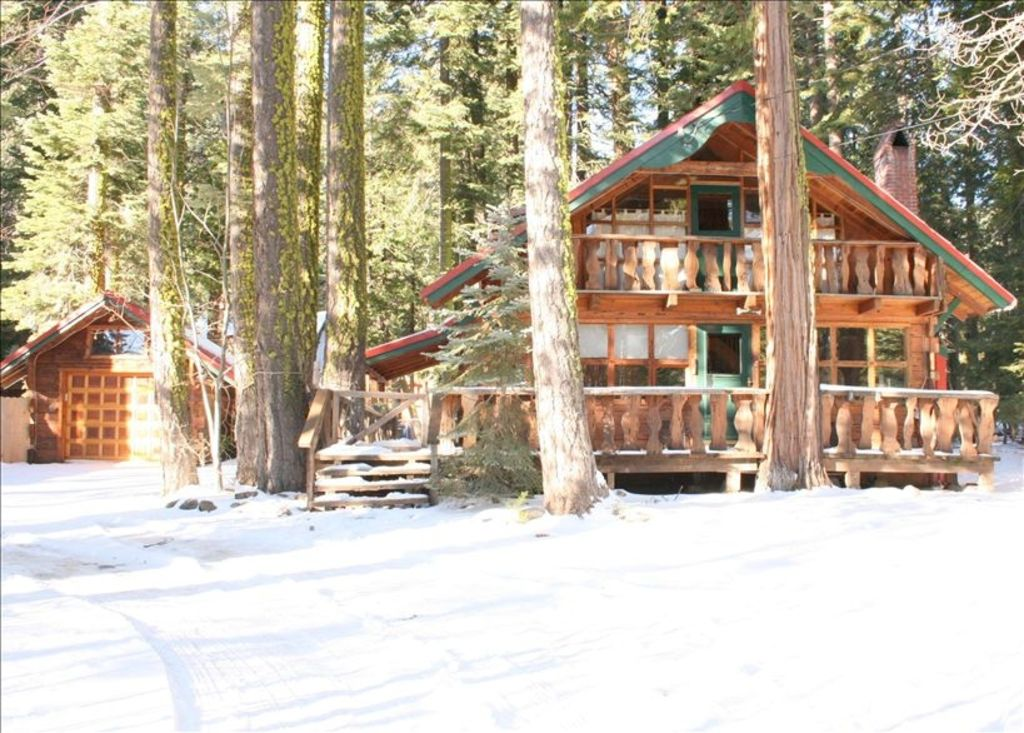 Romantic Log Cabin with Hot Tub & Internet (Dog Friendly) - Timberland
