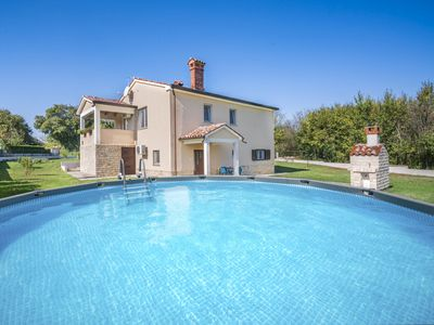 Photo for This 1-bedroom villa for up to 4 guests is located in Krsan and has a private swimming pool, air-con