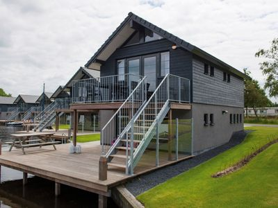 Photo for 6-person residence in the holiday park Landal Waterpark Sneekermeer - on the coast/the beach