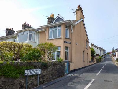 Photo for BRONALLT, pet friendly, with a garden in Borth-Y-Gest, Ref 933131