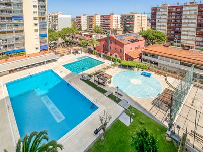 Photo for Sunny apartment ideal families 20min Barcelona