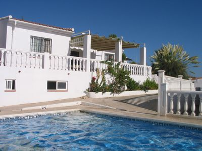 Photo for Detached rural two bed villa with large swimming pool and sunnterraces
