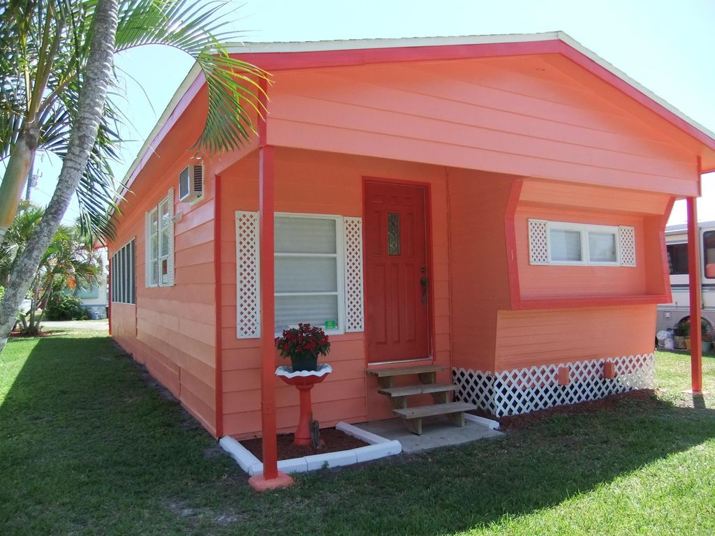 Sunset cottage minutes from world class fi homeaway for Wheelchair accessible homes for sale in florida
