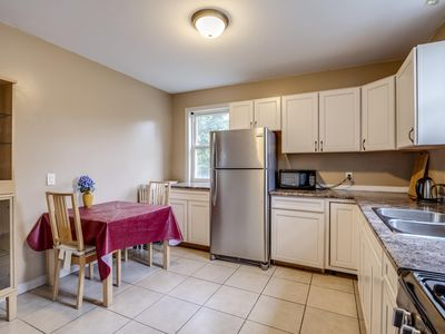 Photo for Awesome 2 bedroom apartment in DT Hamilton