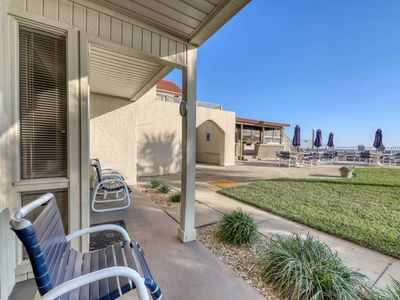 Photo for Gorgeous, waterfront condo w/ a shared pool, hot tub, & beach access