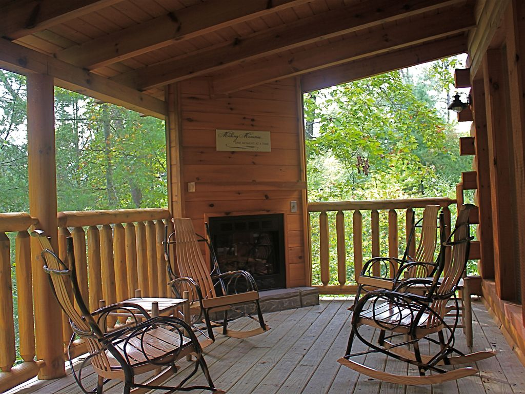 Private luxury true log cabin with 3 king s vrbo for Log home decks