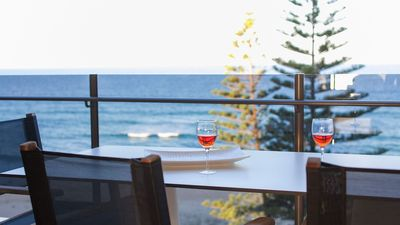 Photo for Cartwright - stunning beachfront apartment with amazing ocean views