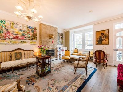 Photo for Charming 3-Bed Apartment 5 Mins From Tube, 20 Mins From Oxford Circus