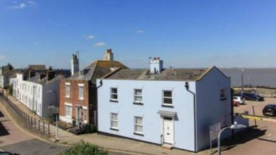 Photo for Bluebell Cottage: seafront with free parking