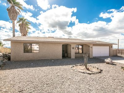 Photo for Lake View, Comforts of home, Close to Downtown