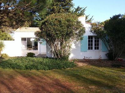 Photo for Ile de Ré | Villa with 23.700 ft² garden 0.25mi from beach & golf | 3-star rated