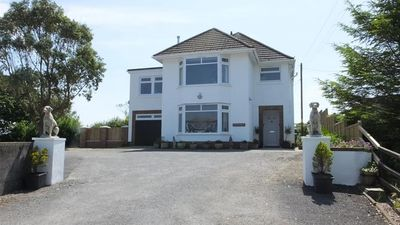 Photo for Topsham Drive - Four Bedroom House, Sleeps 8