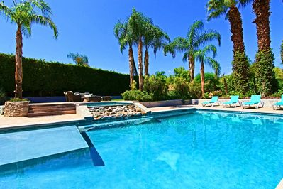 Gorgeous Turquoise Salt-water pool with large spa, waterfall, Palms & mountains
