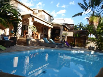 Photo for Villa Demoiselles, pool and garden, Close to the lagoon, 8 pers