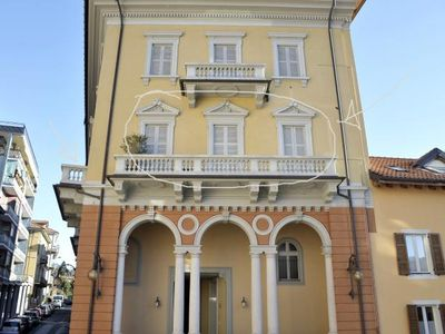 Photo for 2-room apartment with 2 balconies in the heart of the old town of Pallanza