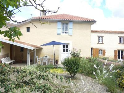 Photo for Gite Lacrabe, 3 bedrooms, 6 persons