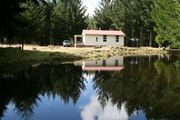 Cosy cottage on 10 acres with pond andamp; views