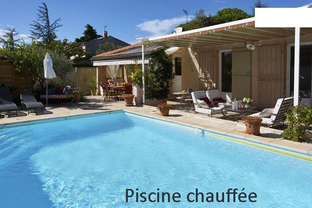 Avignon maison clim piscine au sel privee chauffee for Piscine les angles