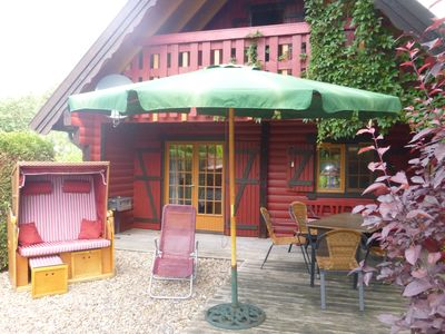 Photo for Swedish red wooden bulb house * holiday park * 6 # persons * sauna * WLAN * modern & comfortable