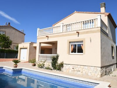 Photo for Wonderful private villa for eight people with WIFI, private pool, TV, balcony and parking