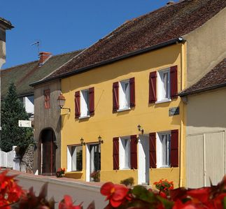 Photo for Great original cottage, 14 places in southern Burgundy