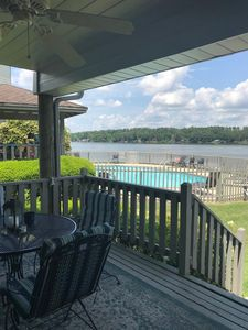 Photo for Lakefront 1 BR Condo, Remodeled, nicely furnished, WiFi, 5 min to GarvanGardens
