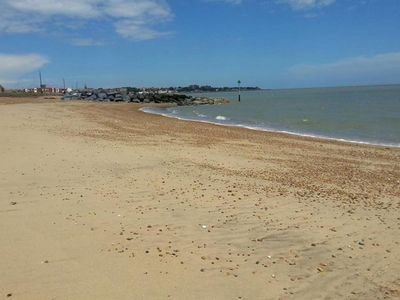 Photo for Modernly furnished holiday home with balcony, near Felixstowe beach