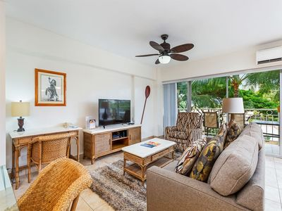 Photo for Touch the Palms! Island-Style Condo w/Free WiFi, Full Kitchen–Waikiki Shore #316