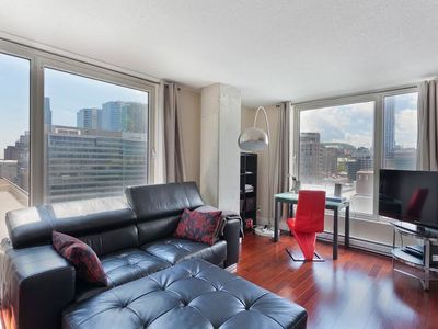 Photo for Luxurious Apartment - Business District - Montreal