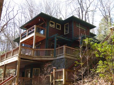Serenity on the Creek-SECLUDED-Top Quality-Romantic-Hot Tub, WiFi, Hiking nearby