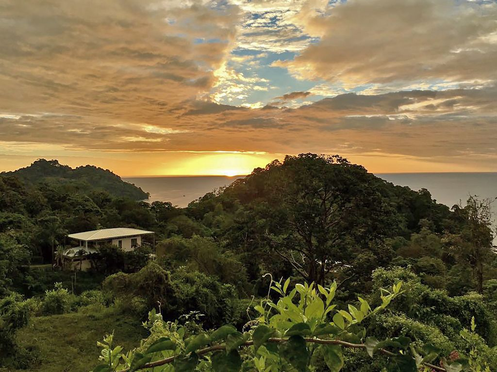 Spend your vacation in the luxury home... - HomeAway Manuel Antonio